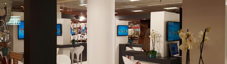 MipTV 32 inch screens