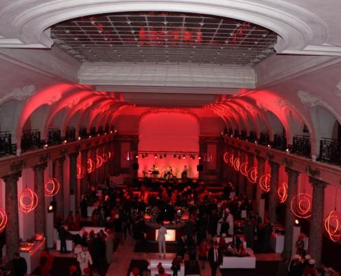 Location de matériel audiovisuel pour événements entreprise à Cannes