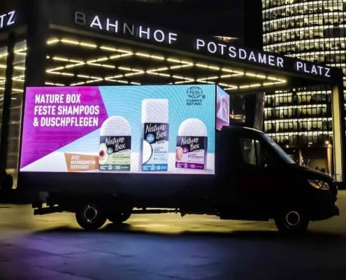 Mobile LED Werbung auf der Strasse